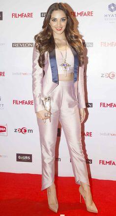Kiara Advani at Filmfare Awards pre-awards bash. Beautiful Bollywood Actress, Most Beautiful Indian Actress, Bollywood Celebrities, Bollywood Fashion, Bollywood Stars, Men's Fashion, Fashion Week, Kiara Advani Hot, Kaira Advani