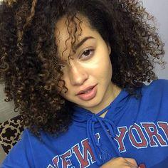 Just uploaded my everyday makeup tutorial for the Tube🦄. Link in bio🙃 Everyday Makeup Tutorials, T Shirts For Women, Link, Instagram Posts
