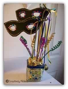 masquerade party decoration table | don't have many decorations for Mardi Gras. I haven't seen many ...