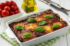 Even though Parmigiana is popular across the Italian south, there's something particularly magical about the Cucina Salentina version of the dish Italian Menu, Italian Dishes, Italian Recipes, Italian Foods, Italian Cooking, Veg Recipes, Wine Recipes, Food Network Recipes, Recipies
