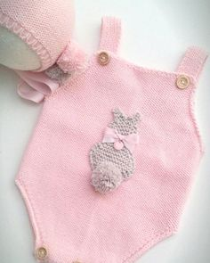 Organizations that Bodys Models - My Happy Home Decorations Baby Girl Patterns, Baby Knitting Patterns, Baby Outfits, Kids Outfits, Baby Overalls, Diy Bebe, Cute Kids Fashion, Knitted Romper, Knitted Baby