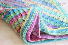 You will love this gorgeous Rainbow Ripple Crochet Blanket Pattern and it's free! Now you can make a wonderful version for your home. Watch the video.