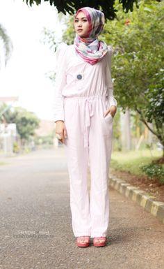 Indah Nada Puspita -- overall gelinlik Modern Hijab Fashion, Hijab Fashion Inspiration, Muslim Fashion, Modest Fashion, Islamic Fashion, Dubai Fashion, Turban, Jumpsuit Hijab, Hijab Collection