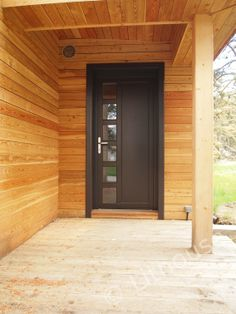 Example of entrance door - in a wooden house. Modern Wood House, Wood Houses, Natural Building, Entrance Doors, Wood Construction, House In The Woods, Building Materials, House Floor Plans, Contemporary Design