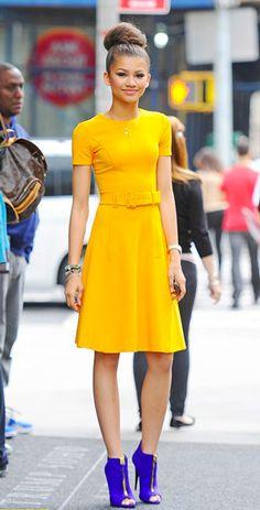 Abito giallo accessori blue 32