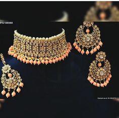 📌@imsadiyakhan #jewellery #choker Indian Jewelry Earrings, Indian Jewelry Sets, Fancy Jewellery, Indian Wedding Jewelry, India Jewelry, Stylish Jewelry, Bridal Jewelry Sets, Jewelery, Fashion Jewelry