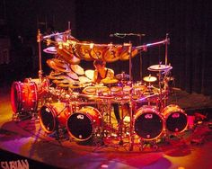 Terry Bozzio's DW drum kit Seriously how would you ever use 6 bases, you only have 2 feet! That I think is the biggest kit I have ever seen! Either this one or ,Avenged Sevenfold's, Arin Ilejay's drum kit that he plays live!