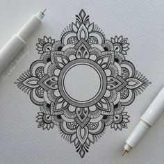 Mandala tattoos have been popular around the world for many years, and now its trend is getting higher and higher. mandala comes from Hinduism and Buddhism, and many people choose it as a tattoo design because it looks delicate and beautiful. Henna Tattoo Muster, Dotwork Tattoo Mandala, Henna Mandala, Mandala Doodle, Lotus Mandala, Mandala Sketch, Small Mandala Tattoo, Flower Mandala, Lotus Flower