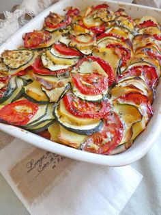 Summer gratin with potatoes, tomatoes and zucchini (Lactose free) - Cuisine du monde - Vegetarian Recipes Healthy Breakfast Recipes, Lunch Recipes, Vegetarian Recipes, Cooking Recipes, Healthy Recipes, Fun Easy Recipes, Easy Meals, Vegetable Recipes, Chicken Recipes