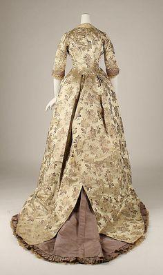 Dress Date: 1878–80 Culture: American Medium: silk Accession Number: C.I.37.27.3a, b