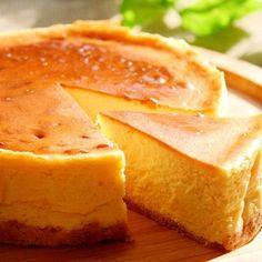 「不動の人気レシピ!ベイクドチーズケーキ」クリームチーズの量が200gの場合と250gの場合で材料を掲載しています。250gの場合は(かっこ内)の数字で作って!【楽天レシピ】