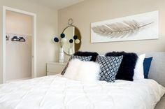 Brio Brownstone Townhomes have stylish and modern bedroom layouts. Proudly built by Porchlight Development. Brio, Bedroom Layouts, Modern Bedroom, Townhouse, Stylish, Building, Home Decor, Homemade Home Decor, Bedroom Modern
