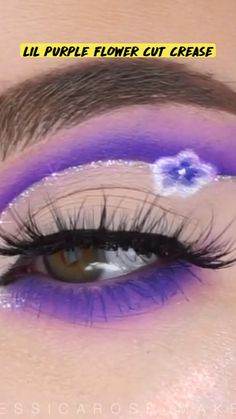 Eyebrow Makeup Tips, Beauty Makeup Tips, Makeup Videos, Eyeshadow Makeup, Face Makeover, Purple Makeup Looks, Eye Makeup Designs, Creative Eye Makeup, Eye Make Up