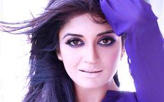 Download wallpapers Vimala Raman, portrait, 4k, Indian actress, Bollywood, makeup, purple dress, brunette