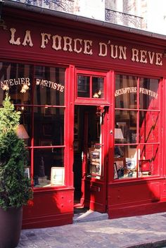 Belle devanture de boutique. #paris #magasin