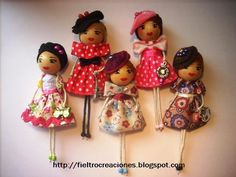 Cute dolls  http://fieltrocreaciones.blogspot.ca/search?updated-max=2012-04-10T02:40:00-07:00=10