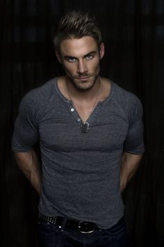 Jesse Pavelka......if they are looking for someone to play christian grey..pavelkas name should be written all over it. just sayin..... Camisetas Henley, Christian Gray, Gorgeous Men, Beautiful Guys, Pretty Men, Book Boyfriends, Adults Only, Jessie, 26 September