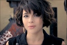 "Love her hair! music video: ""chasing pirates"" by norah jones"
