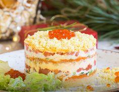 Салат Мимоза с семгой. Ингредиенты: семга соленая, яйца куриные, майонез «Слобода» Легкий