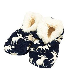 Lazy One Womens Blue Moose Fuzzy Feet Slippers Classic Small Medium *** Special product just for you. Blue Slippers, Fuzzy Slippers, Crochet Slippers, Slipper Socks, Pool Shoes, Beach Shoes, Slippers For Plantar Fasciitis, Blue Moose, Slippers With Arch Support