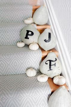 DIY Typography Pumpkin by Jordan Ferney of Oh Happy Day for Design*Sponge featuring Diamond Light Blue/Ivory Indoor/Outdoor Rug. Halloween Projects, Halloween Costumes For Kids, Diy Projects, Halloween Tricks, Grey Pumpkin, Pumpkin Spice, Hallway Carpet Runners, Stair Runners, Diy Letters
