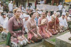 Beautiful kebayas  {destination wedding} Elora & Rajiv ~ Bali | Destination Wedding Photographer | Jonas Peterson | Australia | Worldwide