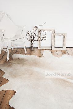 Cowhide in cream neutral tones to create a showpiece in your home, with individual markings and a beautiful glossy shine. Each cowhide is a one off and Cow Rug, Cow Hide Rug, White Cowhide Rug, White Rug, Cowhide Rug Decor, Rugs In Living Room, Living Spaces, Tapis Design, Textile Design