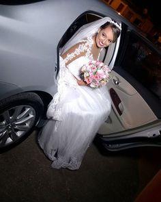 Ontem foi dia de noivinha lindaaa.❤ Como amo tudo isso!😍 #Blogs #BomDia #Blogger #AmoMaquiar #InstaBlog #Makeup #BloggerAju #Maquiador #Noiva #Maquiagem #GoodMorning #Wedding #MaquiadorAju #Bride #AracajuBlogs #Blog #InstaBlogger #InstaBeauty #AmoMeuTrabalho #InstaAju  #Maquiadora