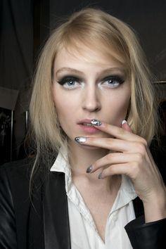 Manicure: trendy jesień-zima 2014/2015,Libertine, fot. Imaxtree