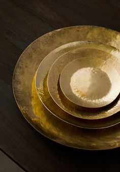 brass home accessories Heimzubehr Brass Dish by Lue Brass Brass Pot, Copper And Brass, Bronze, Brass Metal, Nate Berkus, Decorative Accessories, Home Accessories, Home Deco, Kelly Wearstler