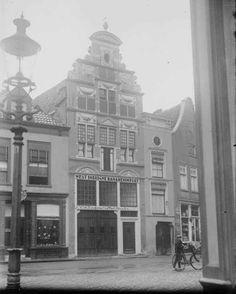 Kleine poot, Bananenimport 1926 later Brandweerkazerne. Deventer