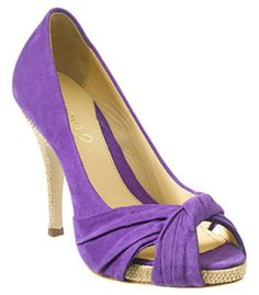 Discover easy and unique ideas for home, decor, beauty, food, kids etc. Try the best inspiration from a list of ideas which suits your requirement. Purple Suede, Cute Heels, Shades Of Purple, 50 Shades, Fashion Sandals, Pink Shoes, Beautiful Shoes, Nine West, Open Toe