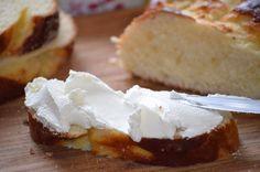 """Любите домашние сыры? Тогда обратите внимание на этот простой, но очень хорошийрецепт приготовления сыра """"Филадельфия"""". Отличный вариант для бутербродов или для наполнения закусочных тарталеток. Вк…"""