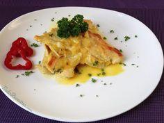 """""""Filé de peru em molho de laranja e mostarda"""", só o nome dá água na boca! Clique na imagem para descobrir a receita no nosso site! #tudoreceitas #peru #molhodelaranja #delícia #receitas"""