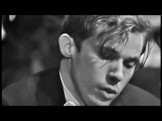Glenn Gould and Leonard Bernstein: Bach's Keyboard Concerto No 1 in D minor (BWV 1052) - YouTube