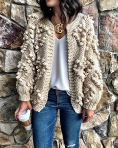 Knitted cardigan with cones from hearts - knitting pattern Winter Outfits, Casual Outfits, Fashion Outfits, Crochet Jacket, Knit Fashion, Knitting Designs, Crochet Clothes, Pulls, Dress To Impress