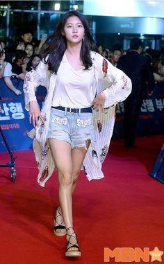 Korean Actresses, Korean Actors, Actors & Actresses, High School Love, Kim So Eun, Drama Tv Shows, Child Actors, Movie List, Korean Celebrities