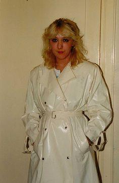 Raincoats For Women Casual Travel Raincoat, Girls Raincoat, Raincoat Jacket, Yellow Raincoat, Hooded Raincoat, Rain Jacket, Mackintosh Raincoat, Rain Fashion, Fashion Fashion