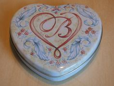Brighton Heart Tin  Clean Condition  No Damages  Two Pieces