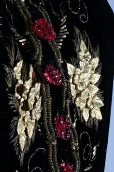 A rare Elsa Schiaparelli evening jacket, Autumn-Winter Photo Kerry Taylor Auctions. similar to the one she wore for her photographic portrait by Horst P Horst for Vogue in un-labelle… Elsa Schiaparelli, Vintage Outfits, Vintage Fashion, Fashion Words, Lesage, Italian Fashion Designers, Fall Winter, Autumn, Period Costumes