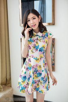 グラマラスラペルフラワープリントプリーツ裾ドレス
