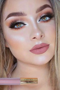 Nude pink lips!