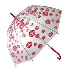 Www.regalosom.con Convierte los días lluviosos en los más románticos del año con el paraguas burbuja Besos! Un original paraguas transparente tipo cúpula o bóveda con besos dibujados por toda la superficie. Cómodo, práctico, de gran cobertura. Ideal como regalo romántico.  Estructura metálica y cúpula de plástico. Longitud aprox.: 84 cm. Diámetro aprox.: 85 cm.