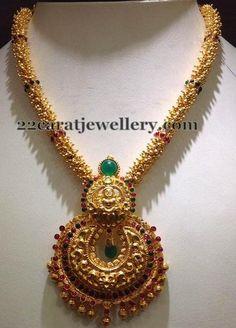 Jewellery Designs: Gold Necklace with Chandbali Locket