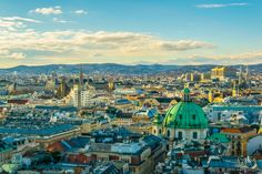 The Essential Travel Guide to Vienna (Infographic)