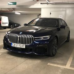 Rate it from 0 to BMW What do you think of it? Bmw Serie 7, Bmw 7 Series, Pretty Cars, Cute Cars, My Dream Car, Dream Cars, Super Sport Cars, Super Car, Bentley Car