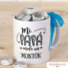 Taza cerámica Mi Papá Mola en caja regalo 6bombones. Ideal para regalar en el Día del Padre o en su cumpleaños. #regalospersonalizados #articulospromocionales #regalospersonales #regalospublicitarios #regalosdeempresa #regalospublicitariosbaratos #regalospromocionales #articulospublicidad #regalospersonalizadosbaratos #merchandisingparaempresas Cacao, Artisanal, Tableware, Crafts, Diy, Comme, Boutique, Original Gifts, Personalized Cups