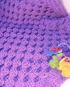 [Free Pattern] Absolutely Adorable Honeycomb Tunisian Crochet Blanket - http://www.dailycrochet.com/free-pattern-absolutely-adorable-honeycomb-tunisian-crochet-blanket/