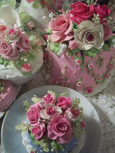 cakes and beautiful roses