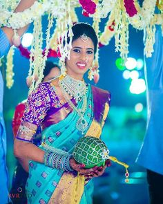 South Indian Bridal Jewellery Blue 32 Ideas For 2019 Bridal Sarees South Indian, South Indian Bridal Jewellery, Bridal Silk Saree, Indian Bridal Fashion, South Indian Bride, Kerala Bride, Hindu Bride, Bridal Jewelry, Gold Jewellery